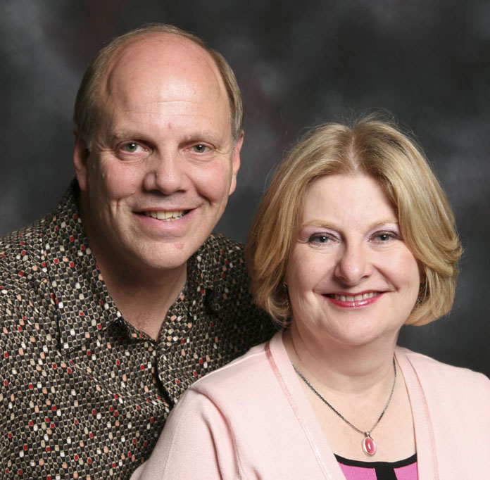 Dan and Gloria Ward Portrait | MediguardUSA owners | Medical Alert Systems